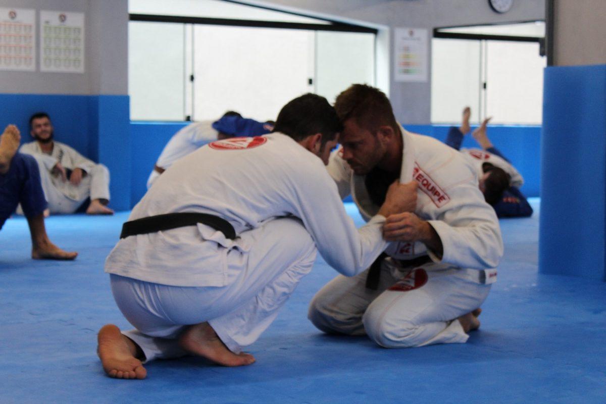 Resultado de imagem para jiu-jitsu também para a comunidade externa